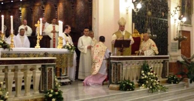 padre-pino-salerno-25-anni-sacerdozio-con-arcevoscovo-salvatore-gristina