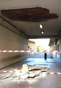 crollo-soffitto-ingresso-ospedale