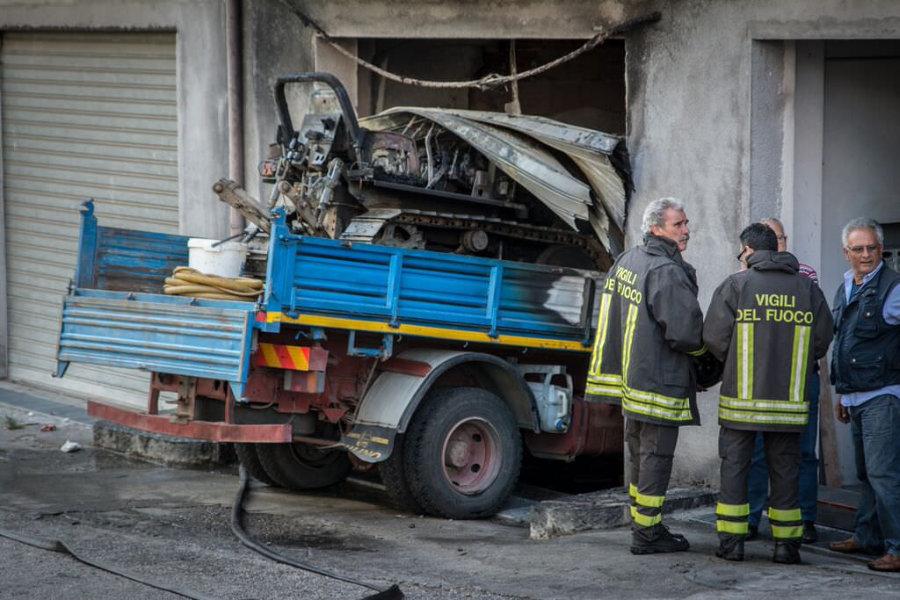 camion-in-moto-da-solo-danni-in-via-sacro-cuore10