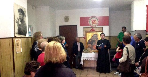 icona-madonna-nella-sede-comunista