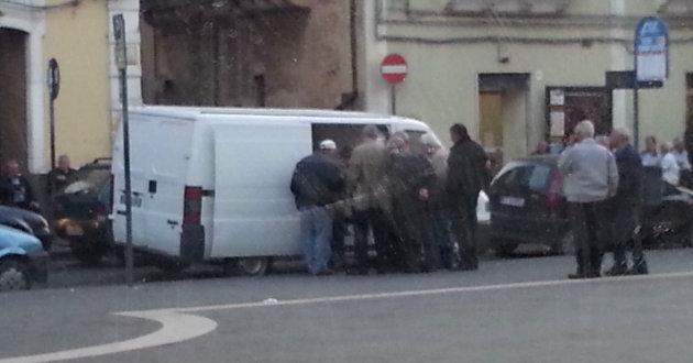 abusivismo-commerciale-in-piazza-roma