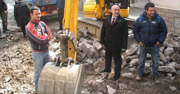 lavori-pubblici-in-via-etnea-nel-febbraio-2011