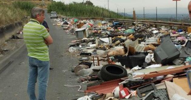 rifiuti-strada-della-vergogna