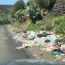 """Sfacciata inciviltà, ancora spazzatura lungo la """"Strada della vergogna"""""""