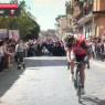 """""""Giro d'Italia"""", tappa a Biancavilla: festosa accoglienza della carovana"""
