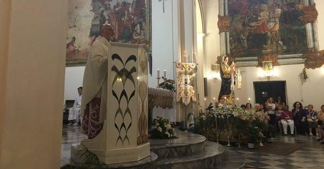 mons-paolo-urso-nella-chiesa-annunziata-iloveimg-resized-iloveimg-cropped