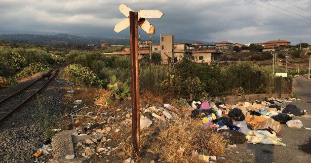 discarica-di-rifiuti-zona-pozzillo