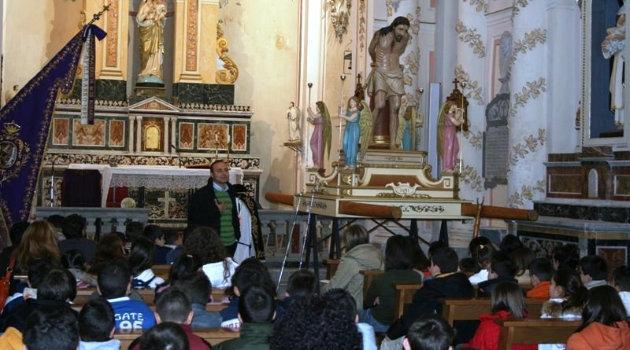 alunni-nelle-chiese-della-processione-dei-misteri