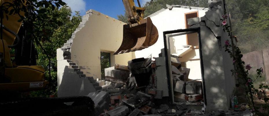 demolita-casa-abusiva-zona-ruvolo-grosso2